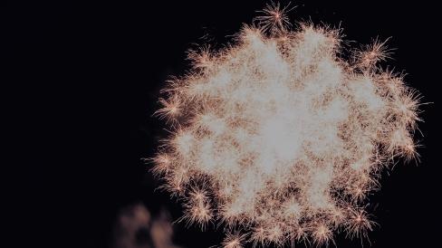 jennifer-glitter-lights-for-blog.jpg